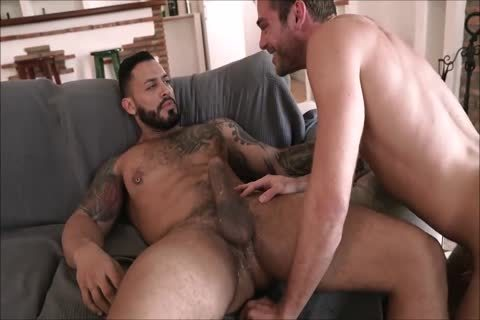 dirty Daddy With enormous cock Breeds His lad unprotected