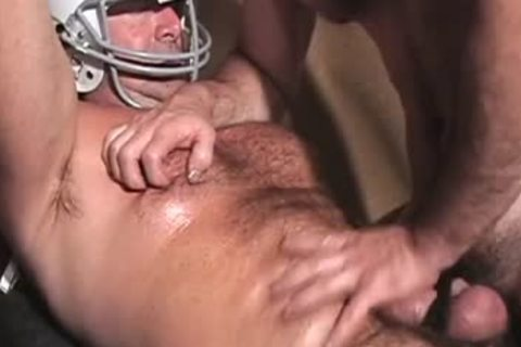 hairy Buff Football trainer jerking off His 10-Pounder