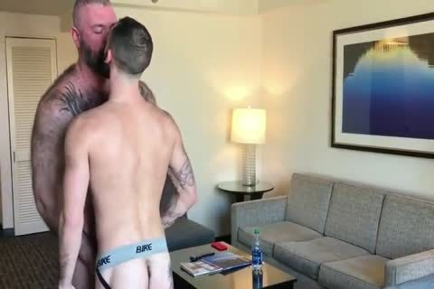 Daddy With subrigid Suckable nipples poke A young lad
