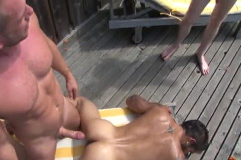 Poolside raw 3some