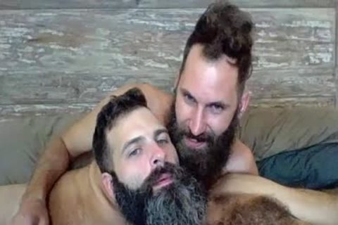 two Bearded Boyz nailing On Live